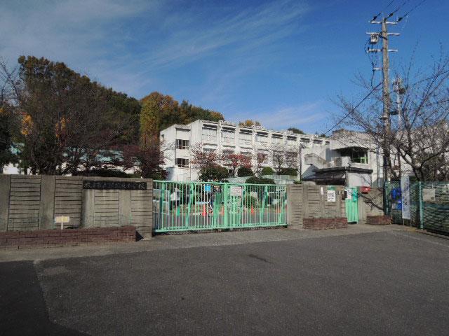 枚方市立嵯蛇(さだ)東小学校